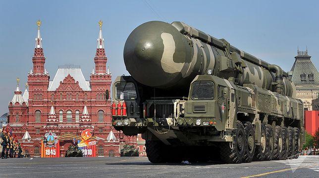 Topol-M w czasie parady w Moskwie
