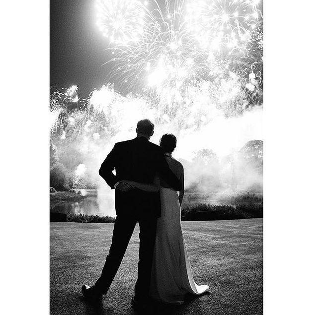Nowa fotografia ze ślubu Meghan i Harry'ego budzi kontrowersje.