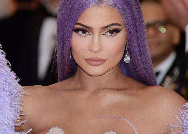 MET Gala 2019. Gwiazdy złamały regulamin imprezy. Wśród nich Kylie Jenner i narzeczony Jennifer Lopez