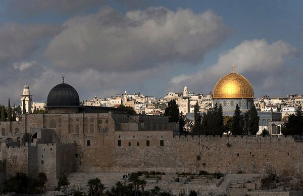 Starcia na Wzgórzu Świątynnym w Jerozolimie - są ranni i zatrzymani