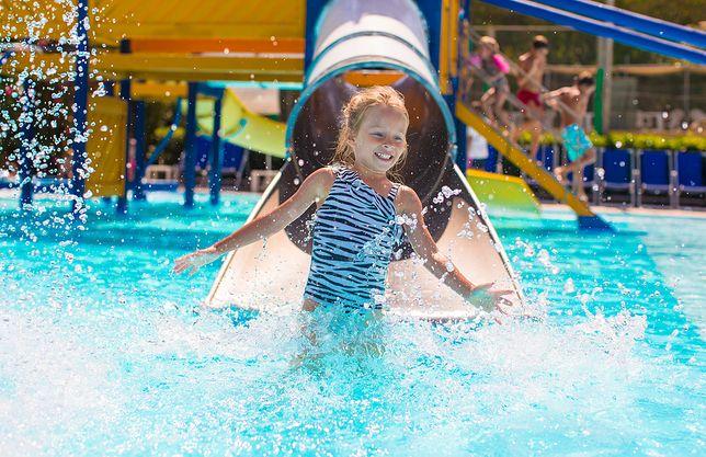 Nieco starsze dzieci z pewnością będą zainteresowane aquaparkiem – na zjeżdżalniach potrafią spędzać całe dnie