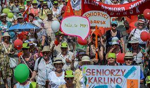 Ulicami Warszawy przeszła Parada Seniorów