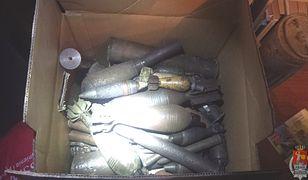 Karabiny, amunicja, materiały wybuchowe. To policjanci znaleźli w domu 54-latka