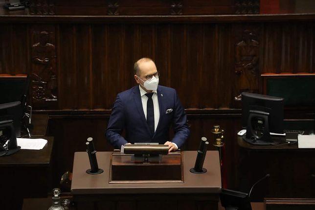 Poseł Koalicji Obywatelskiej Michał Szczerba ma wątpliwości co do dostaw Astry Zeneki