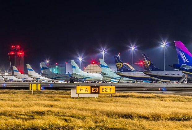 Śląskie. Ruch pasażerski na lotnisku w Pyrzowicach wciąż jest na minusie.