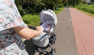 Młode matki studiują na uniwersytecie