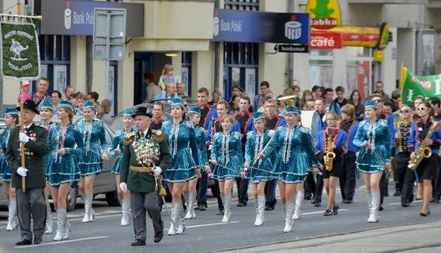 Parady, marsze i procesje w Poznaniu z wymaganiami za kilka tysięcy złotych