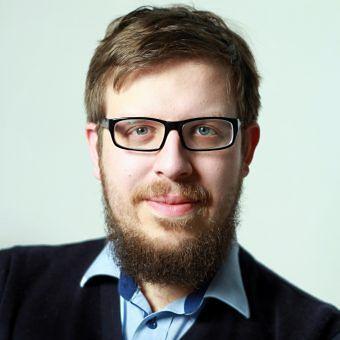 Historyk Kamil Janicki często komentuje w mediach aktualne wydarzenia