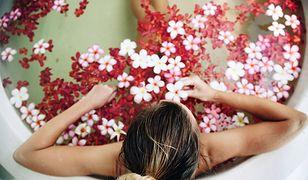 Kosmetyki do kąpieli to nie tylko popularne płyny, ale również olejki eteryczne oraz sole.