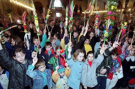 Msza święta w Niedzielę Palmową (Fot. PAP/Radek Pietruszka)
