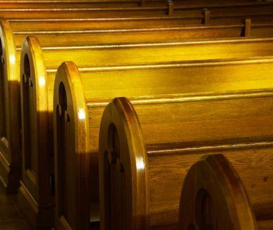 Mniej niż 40 proc. katolików chodzi do kościoła