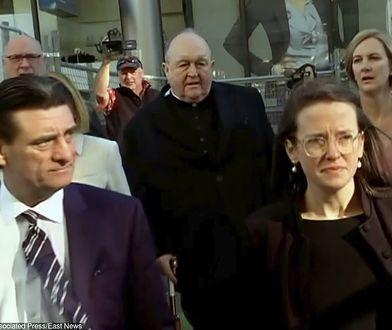 Australijski arcybiskup Philip Wilson w drodze do sądu