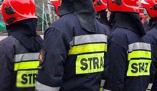Warszawa. Pożar na Pradze Północ. Na miejscu 12 zastępów straży