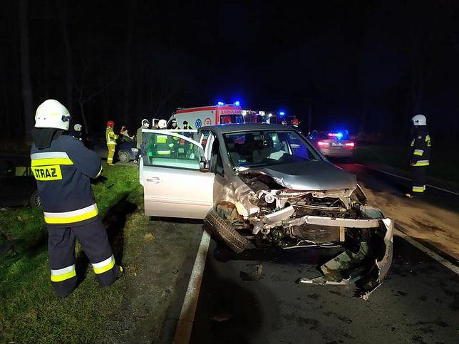 Kąkolewo. Wypadek na DK12. Wśród rannych są dzieci.