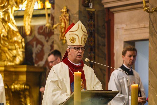 """Biskup kielecki: """"zagrożeniem dla wolności są ideologie"""""""
