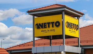 Netto zachęca klientów do udziału w Wielkiej Loterii Urodzinowej. Do wygrania jest 175 tys. nagród. (Photo by Michal Fludra/NurPhoto via Getty Images)