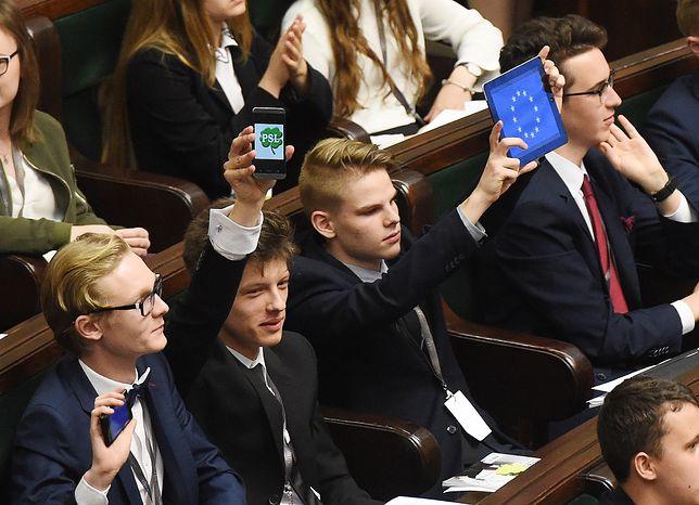 Obrady Sejmu Dzieci i Młodzieży zostaną przeniesione do Audytorium Maximum Uniwersytetu Warszawskiego