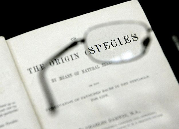 """""""O powstawaniu gatunków"""" Karola Darwina"""