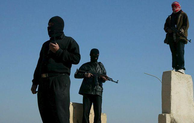 Członkowie Armii Mahdiego w Nadżafie w czasie okupacji Iraku (2006 r.)