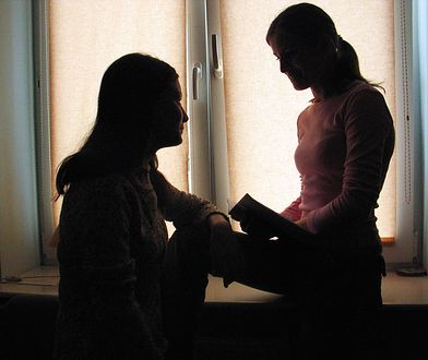Jak uczelnie radzą sobie ze zgłaszaniem przypadków molestowań?