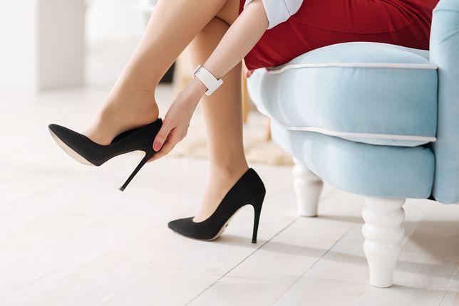 Czarne szpilki wydłużają nogi i są uniwersalne