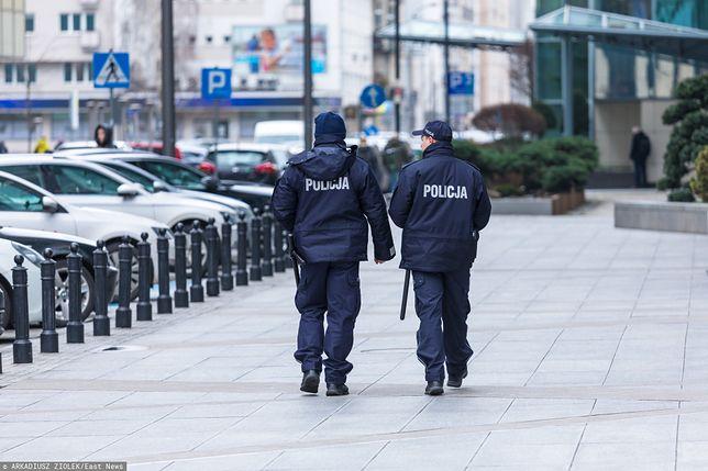 Policja patroluje ulice