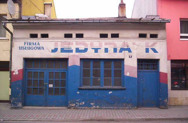 Dawna synagoga w Nowym Targu przerobiona po wojnie na zakład ślusarski