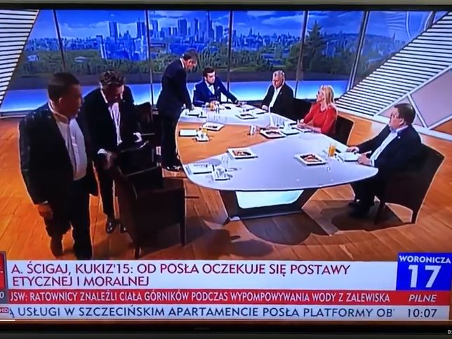 """Opozycja bojkotuje program Michała Rachonia """"Woronicza 17"""" w TVP Info. Jej śladem ruszyli widzowie"""