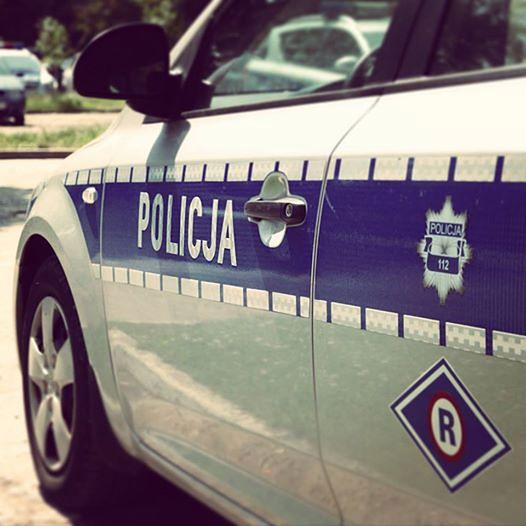 Wypadek w Poznaniu. Samochód stanął w płomieniach