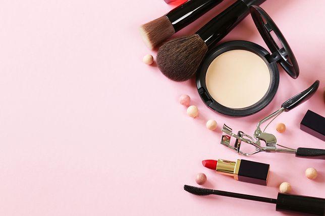 Zapach i wygląd kosmetyków warto przetestować dzięki darmowym próbkom