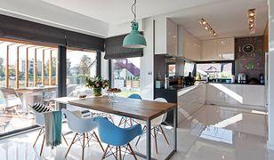 Eleganckie mieszkanie ozdobią piękne krzesła