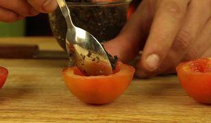Idealne na śniadanie. Tosty z parmezanem i pomidorkami