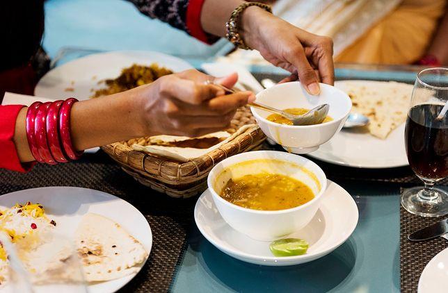 Dieta hinduska jest idealnym sposobem odżywiania dla osób wytrwałych. Hindusi uważają, że nadwaga to objaw zaburzenia równowagi w organizmie. Przepisy diety hinduskiej