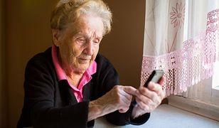 """""""Babciu, to nie Twój wnuczek... Bądź ostrożna"""". Ruszyła kolejna odsłona kampanii"""