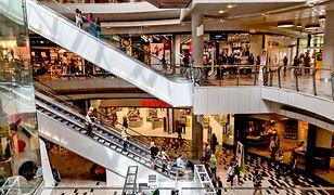 W pierwszą wolną niedzielę od handlu Polacy poszli do zamkniętych galerii handlowych.