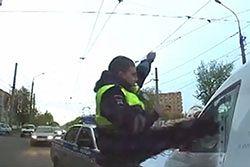 #dziejesiewmoto [85]: policjant-karateka, 20-latek bez prawka i pułapka na torach