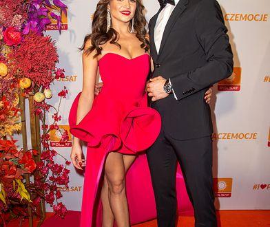"""Sylwia Madeńska z """"Love Island"""" na ramówce Polsatu. Sukienka eksponowała zgrabne nogi"""