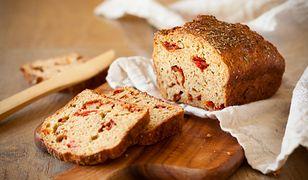 Chleb z suszonymi śliwkami