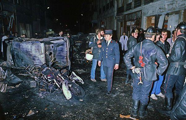 Wybuch bomby w 1980 roku przed synagogą w Paryżu