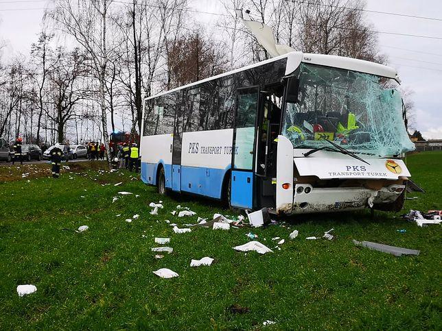 Wielkopolska. Wypadek autobusu szkolnego. Pięcioro dzieci rannych