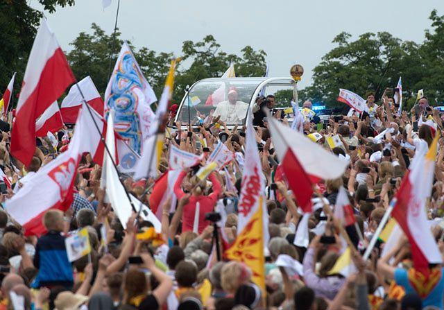 Papież Franciszek w Częstochowie. Czekały na niego tłumy