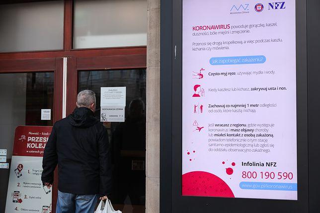 """Koronawirus w Polsce. Restauracje walczą o przetrwanie. """"Z kelnerów zrobiliśmy dostawców"""""""