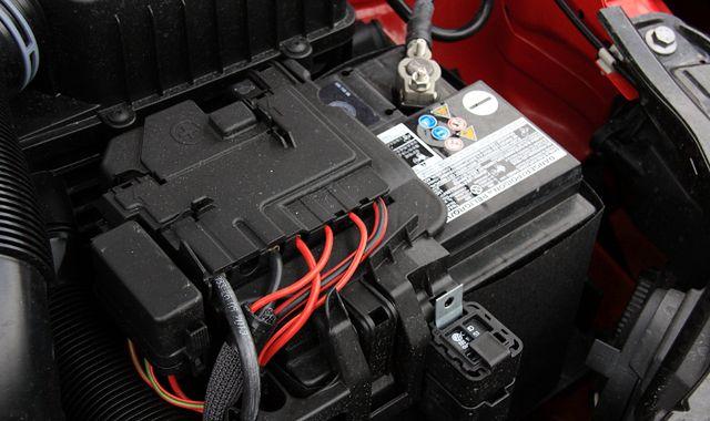 Akumulator na mrozie: co zrobić, żeby nie zawiódł?