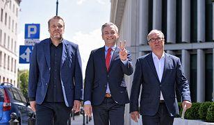 Liderzy lewicowej koalicji zwołali przed Sejmem konferencję prasową