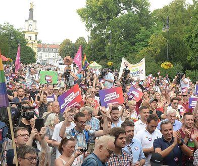 Wiec przeciw przemocy w Białymstoku. Na miejscu są setki osób
