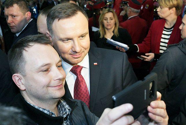 Prezydent Andrzej Duda jest niekwestionowanym liderem sondaży prezydenckich