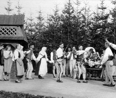 Pokaz tańców góralskich w Zakopanem, ok.1925