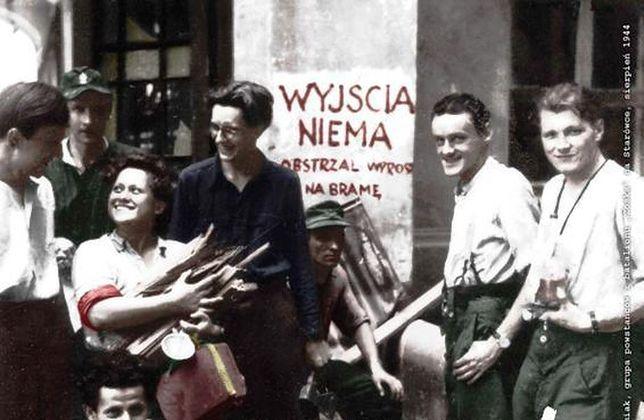 """""""Pamięć Została"""" - Widowisko na pl. Zamkowym"""