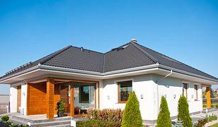 Okna, drzwi i brama garażowa w domu energooszczędnym