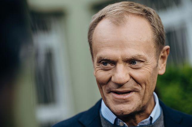 """Donald Tusk napisał książkę """"Szczerze""""."""